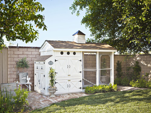 12 Unconventional But Very Stylish Chicken Coop Ideas...