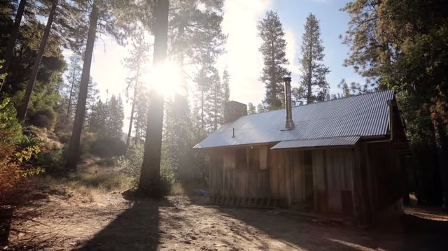 93 Year Old Homesteader Living It Up In The Wilderness…