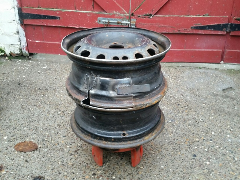 How To Make A BBQ / Grill Out Of Old Wheel Rims…