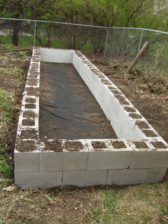 Making A Raised Garden Bed With Cinder Blocks Eco Snippets