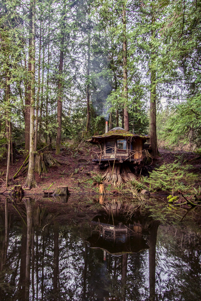 The far out fantasy homes of sun ray kelly natural home builder eco snippets - Houses woods nature integrated ...