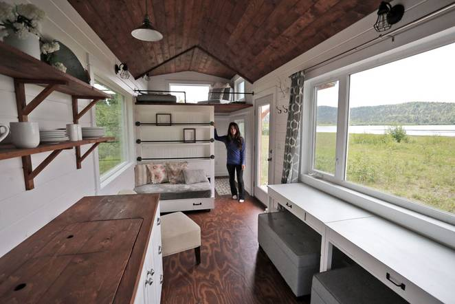 This Alaskan Woman Built A Phenomenal Tiny Home – And Is Giving Away The Plans For FREE!