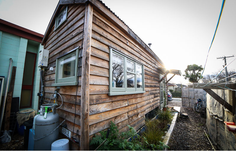 Young Woman Builds Beautiful Recycled Tiny House For US$19,000...