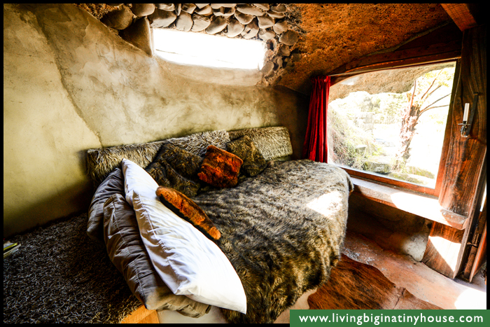 Check Out This Magical Hobbit-Like Eco Cave House...