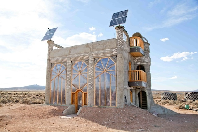 Earthships: Self-Sustaining Homes For A Post-Apocalyptic US...