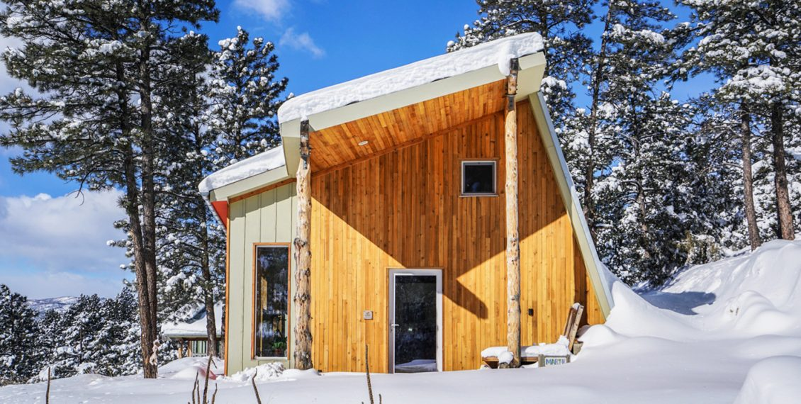 Designer Builds Efficient Off-Grid Passive House In Colorado...