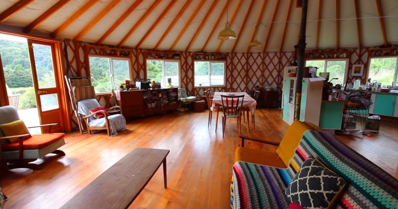 Family Quits City Life To Live Off-Grid In A Giant Yurt...