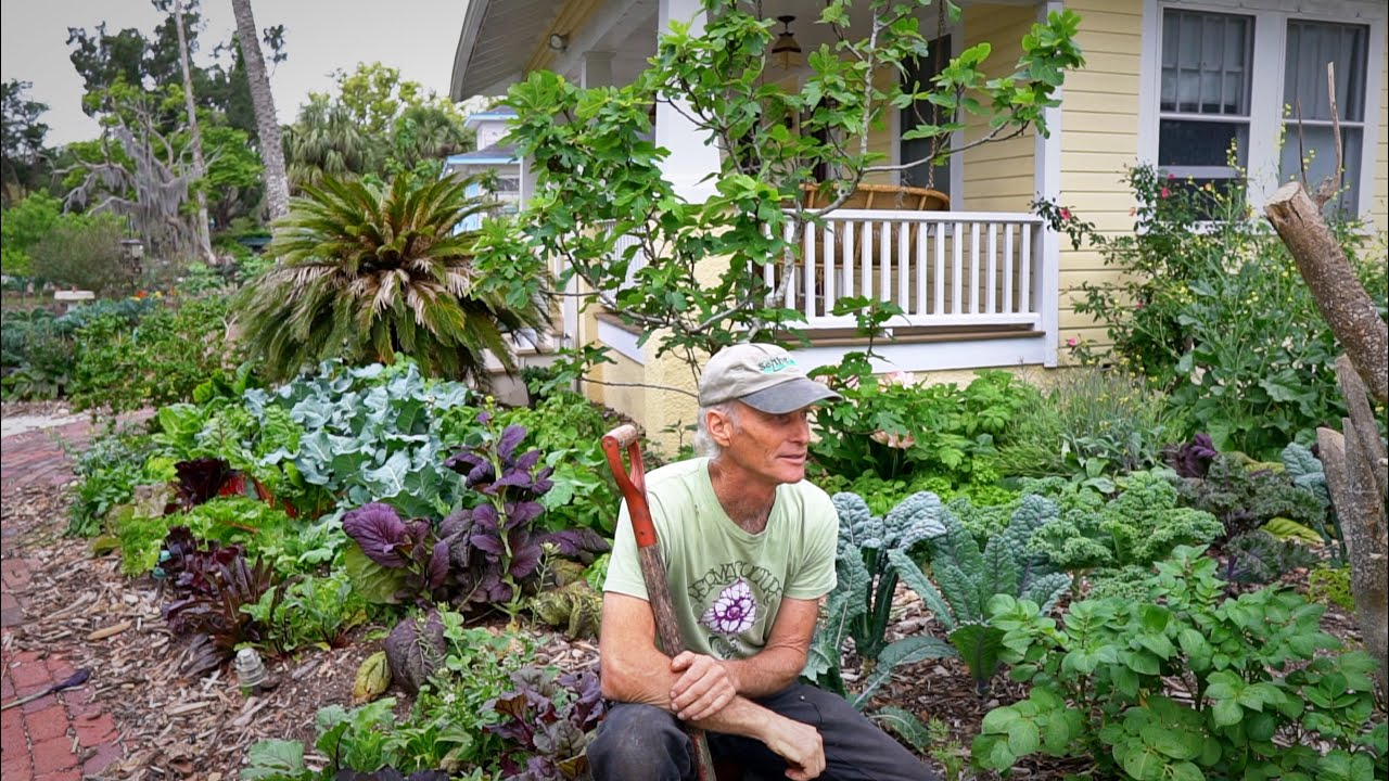 Earning $5.6k A Month Front Yard Market Farming...