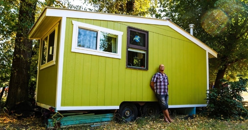 70 Year Old Builds Innovative Off-Grid Tiny House For Debt Free Retirement...