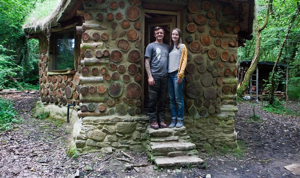 Man Quits The City To Build A Hobbit House In The Woods...