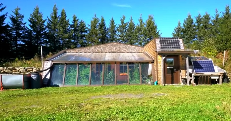 Homesteading Family Living Off-Grid In A Spectacular Earthship...