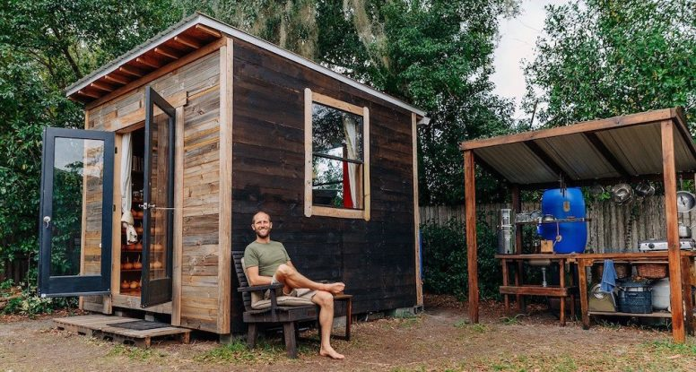 Simple & Sustainable Living In A 100 Square Foot $1,500 Tiny House...