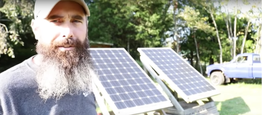 Man Leaves $80K Job To Live Off Grid...