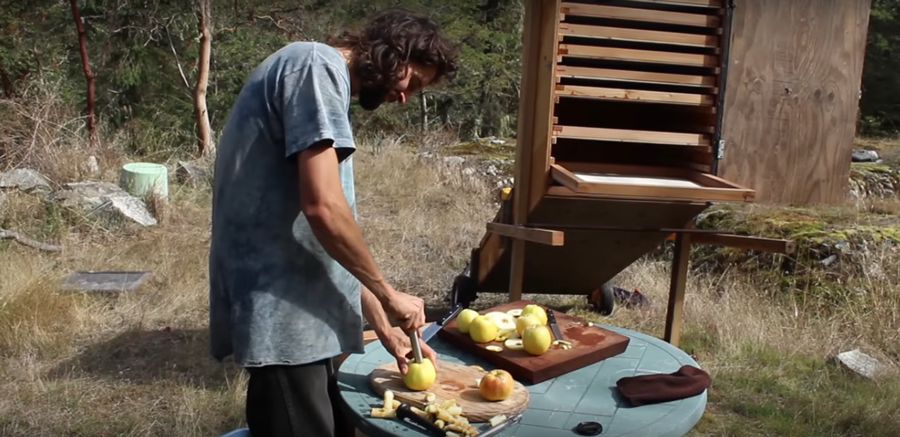 Build Your Own DIY Solar Dehydrator To Preserve Your Summer Harvest...