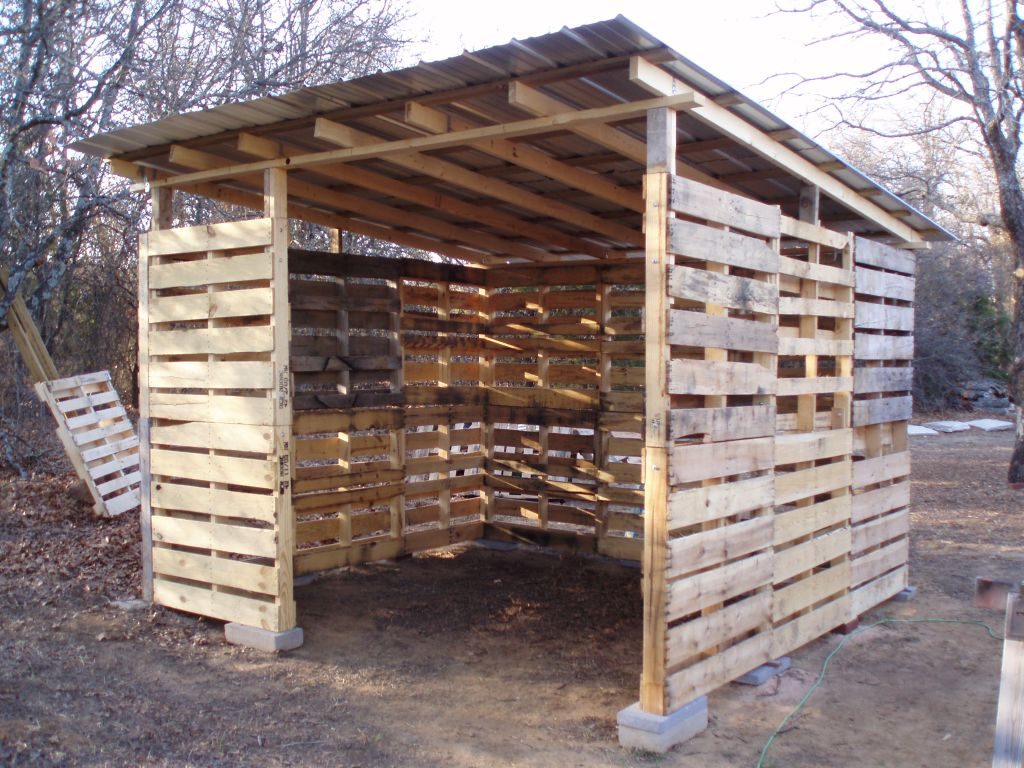DIY Shed Made From Old Wood Pallets… – Eco Snippets