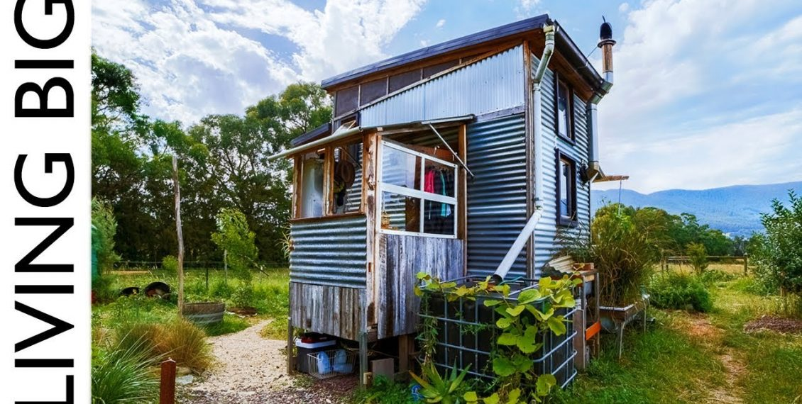 Incredible Salvaged Off-Grid Tiny House On A Permaculture Farm...