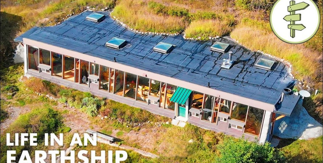 Engineer Living In A Beautiful Earthship Shares Valuable Experience...